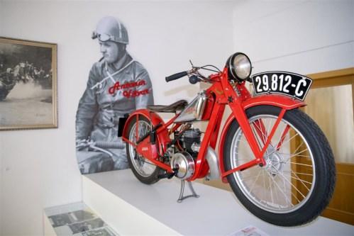 Nesmrtelný dvoutakt na závodních okruzích – Výstava motocyklů v Hořicích