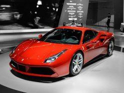 Ferrari mění názor: Vzpínající se kůň najede na elektro