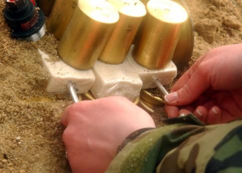 Nanodetektor má zatočit s domácími bombami