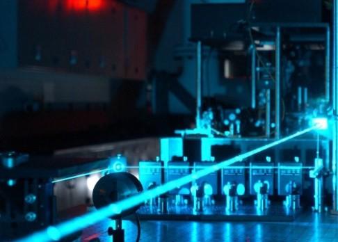 Stlačený foton pomůže kvantovým počítačům