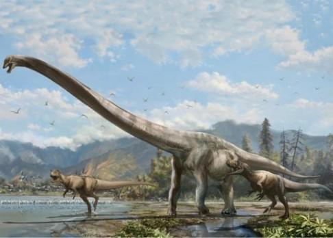 Dlouhokrký dinosaurus neztratil hlavu