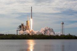 Vojenský raketoplán X-37B zamířil do vesmíru