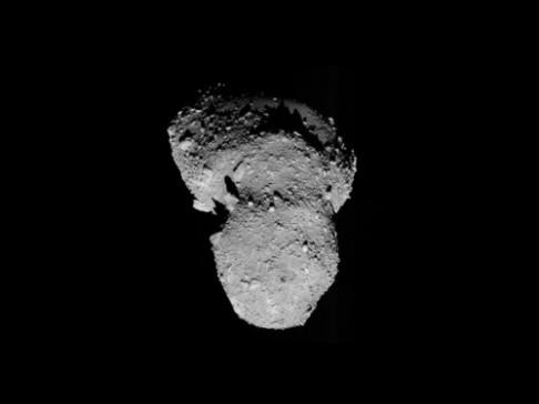 V listopadu Zemi mine půlkilometrový asteroid