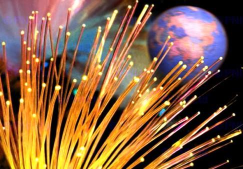 Optické vlákno, které přenese 100 terabitů