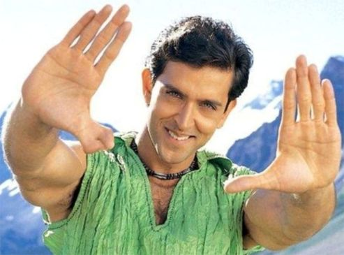 Hrithik Roshan two thumbs