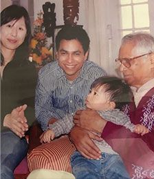 Son, daughter-in-law and grandson of Jorge Fernandez