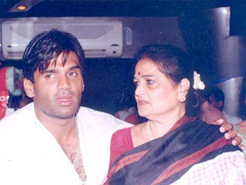 Sunil Shetty with his mother