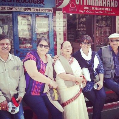 Archana Puran Singh with her mother and siblings