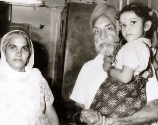 Gracy Singh with Her Grandparents