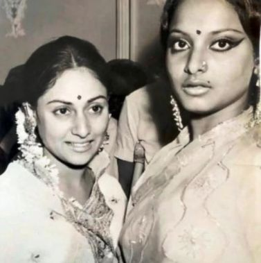An Old Picture of Jaya And Rekha
