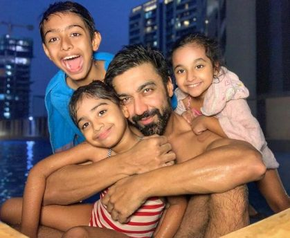 Ashish Chowdhry with his children