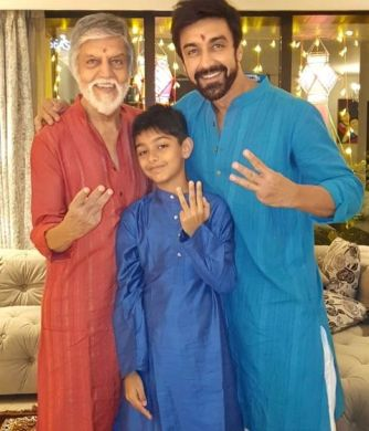 Ashish Chowdhry with his father and son