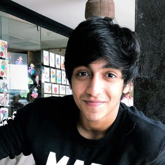 Ahaan Panday Gadget Clock, Height, Age, Girlfriend, Family, Biography & More – Gadget Clock