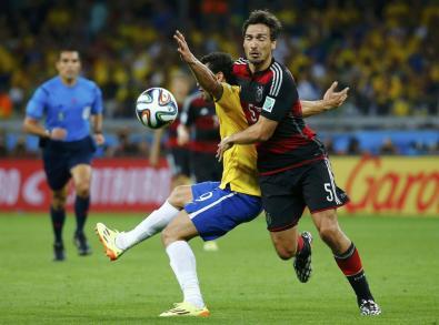 Fred i Brazilit lufton per topin me gjermanin Hummels