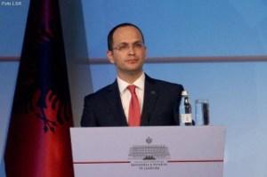 Ministri-i-Jashtem-Ditmir-Bushati-320x213