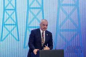 Kryeministri Edi Rama duke folur në Konferencën për Energjinë