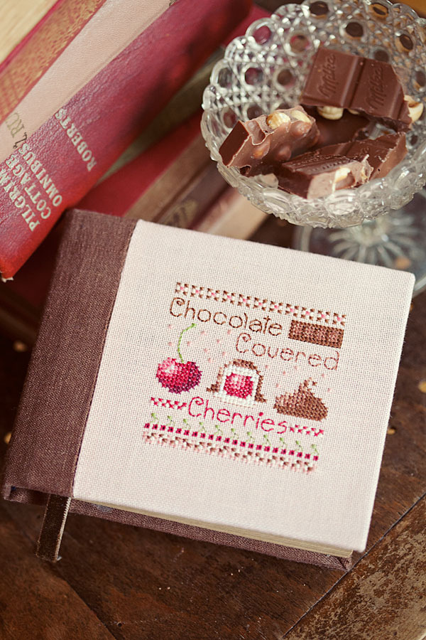 pictureperfectforyou:Chocolate Covered Cherries (Casey Buonaugurio) (door loretoidas)