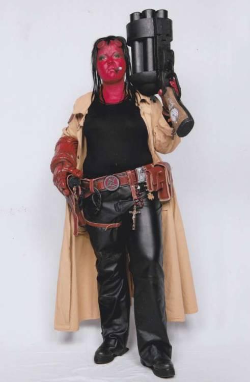 girl hellboy cosplay