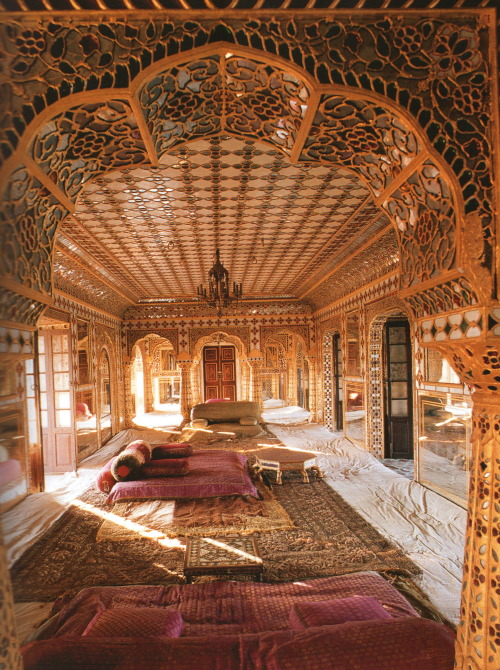 endilletante:</p><br /><p>Indian Interiors, photographies de Deidi von Schaewen, ed. Tashen, 2008.<br /><br />