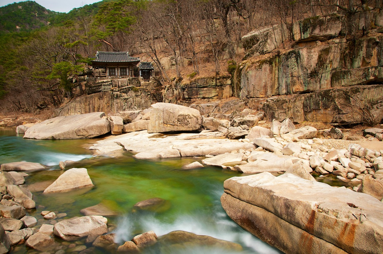 """Amseojae, a scenic pavilion used by 17th century scholar Song Si-yeol during his time in exile in the Hwayang Valley, Goesan. If you're looking for the traditional Koreanaesthetic, this is it—-it looks like a scene out of a Korean """"mountain and water"""" painting."""