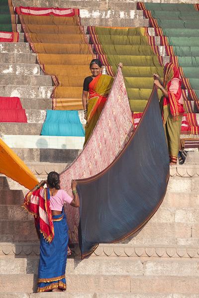 thetreesthatsing:Varanasi Ganges Life - Sylvain Brajeul Copyright-35 by Sylvain Brajeul on Flickr.