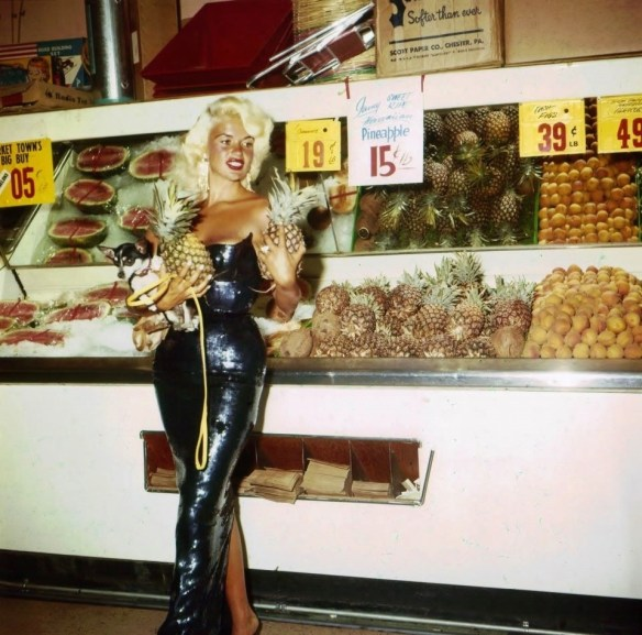 jayne mansfield shopping in Las Vegas 1959