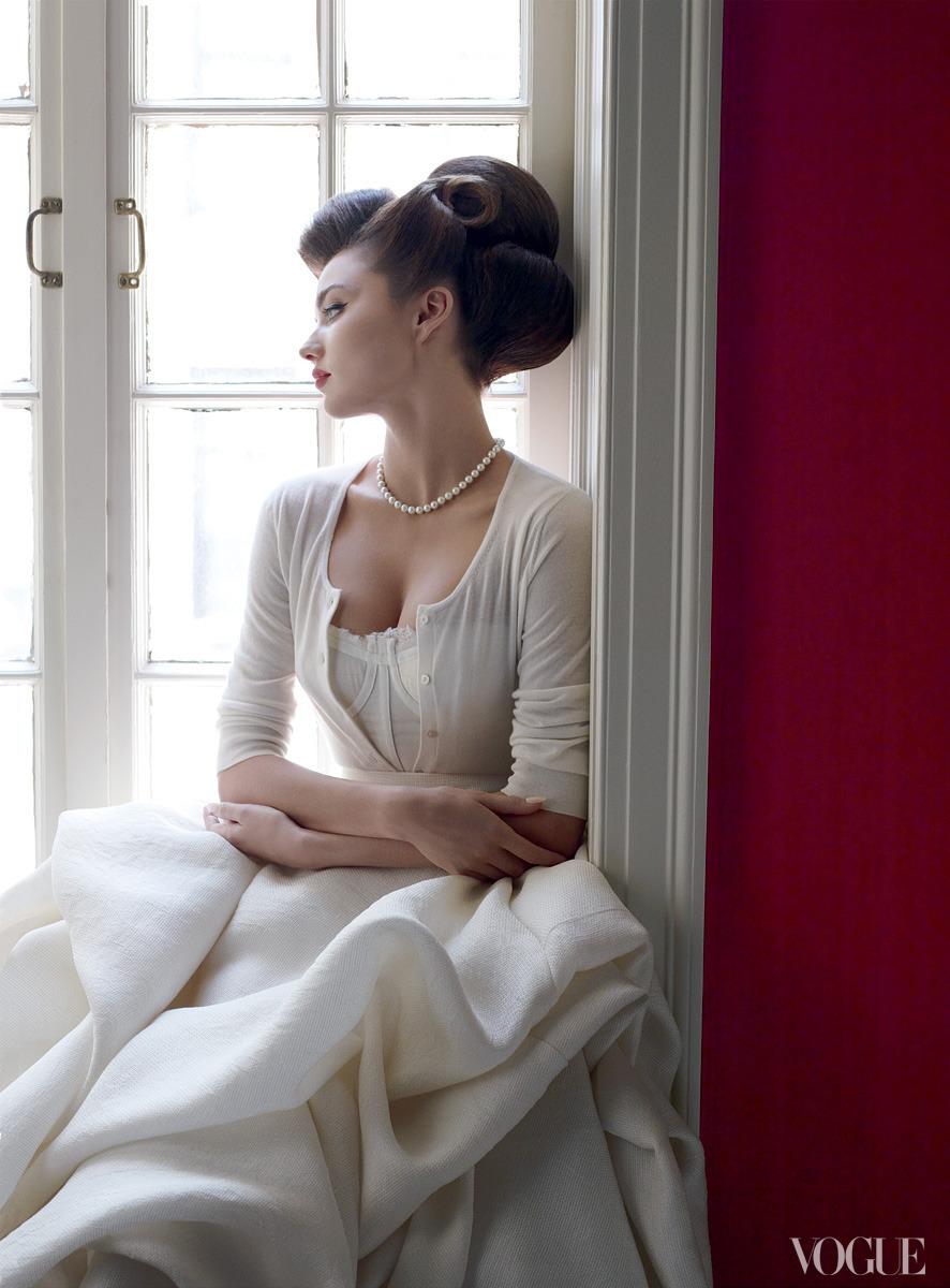 yodeka:Constance Jablonski, Vogue, February 2011