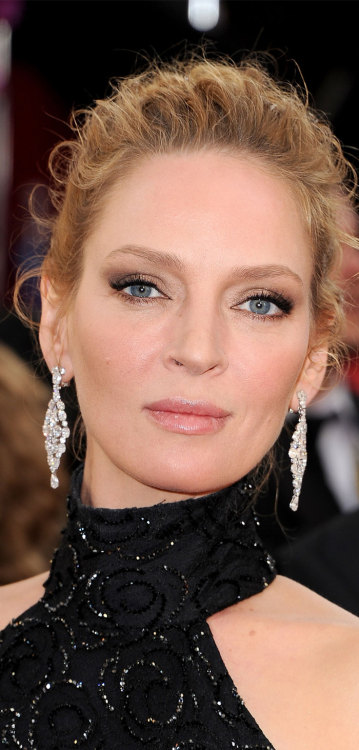 chopardredcarpet:  The beautiful Uma Thurman wearing a pair of white oval and round diamond chandelier earrings at the 71th Golden Globes Awards.