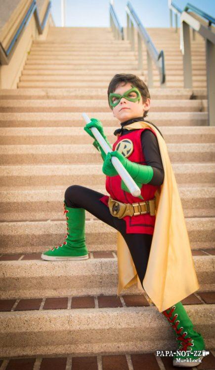 damian robin cosplay