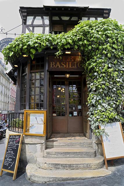 | ♕ | Restaurant Le Basilic, Paris | by © peaflockster | via ysvoice