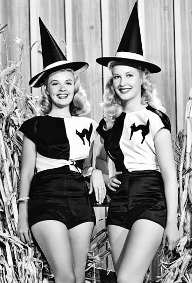 Resultado de imagen para witches vintage