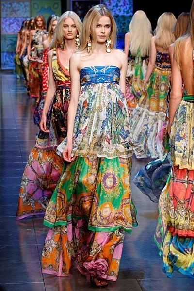 garoopatternandcolour:  Dolce & Gabbana…gorgeous