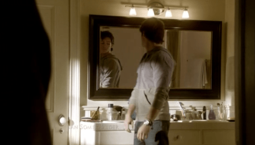 tvdbamf:  checking himself out?  If I was him, I'd check myself out too. Just sayin'