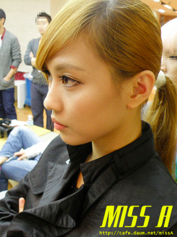 110117 [Official] miss A  Breathe, 대기실에서: 페이의 매력은?? Breathe, in the waiting room:Fei's charms are??