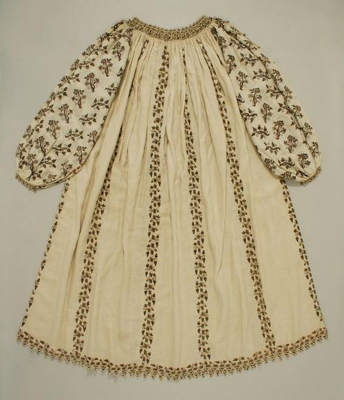 BlouseLate 16th century ItalySilk, linen, metal thread