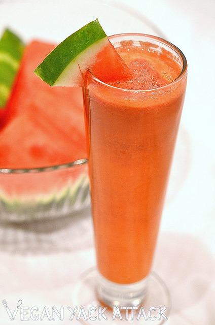 Sweet Watermelon Apple Carrot Juice! A simple guide to making a fruit-veggie-juice blend.