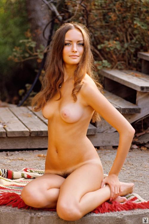 Bonnie Large (1973)