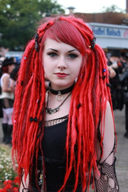 goth girl with red dreds