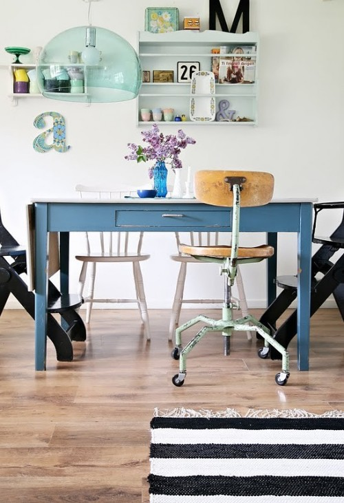mismatched chairs (via For the Home / Norske Interiørblogger)<br /><br />