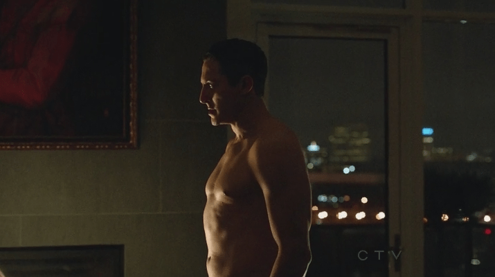 Renard shirtless