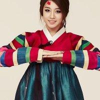 Jiyeon hanbok!