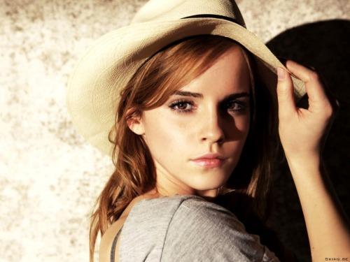 16/100 of Emma Watson