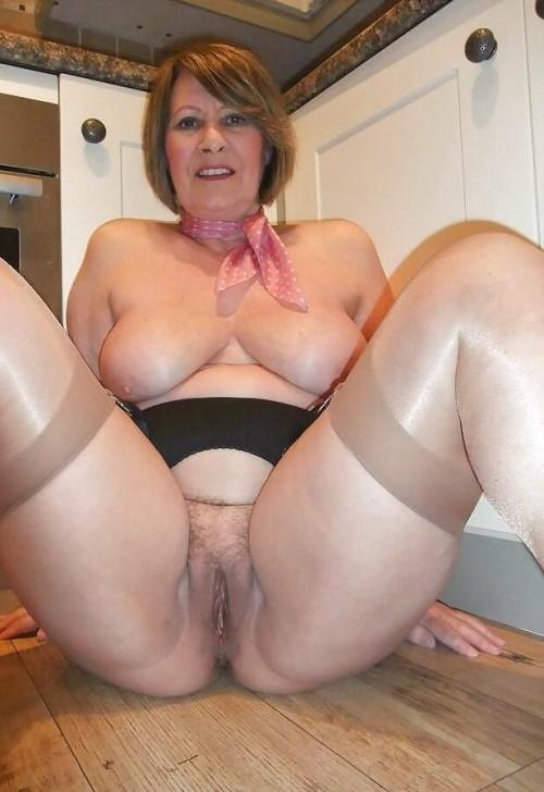 Hot nude milfs gif