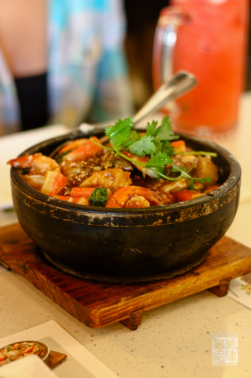 Malaysian style seafood with rice in sizzling stone pot 馬拉盞海鮮石頭飯