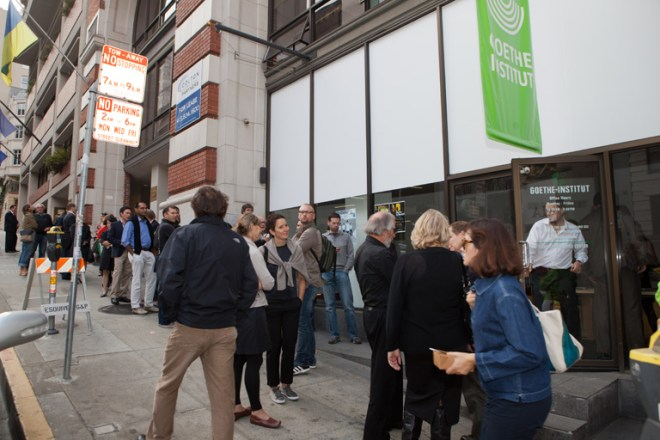 Pre-opening line in front of San Francisco's Goethe-Insitut | © 2011 Philipp Weitz Photography