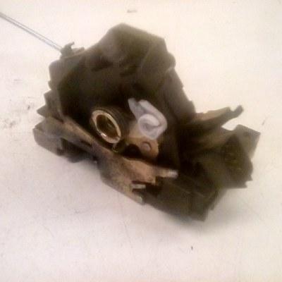 264A-A21813-CB Deurslotmechanisme Links Voor Ford Focus 1 (2002)