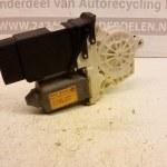 1J1 959 802 D Raammotor Rechts Voor Volkswagen golf 4 3 Deurs