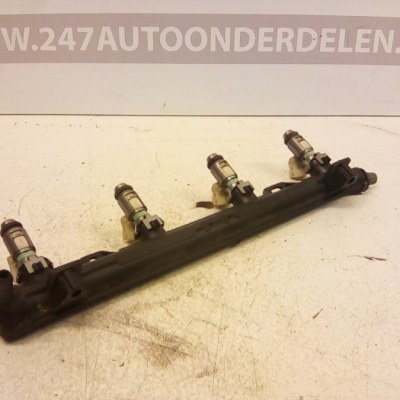 036 133 320 Injectorrail Volkswagen Golf Plus 1.4 16V BCA 2006