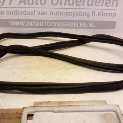 8E9827705 BC Achterklep Rubber Audi A4 B6 Avant 2001-2005