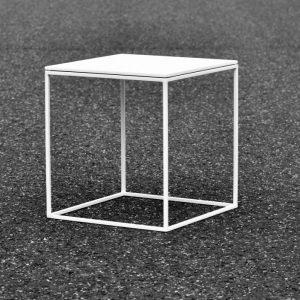 Q10 Couchtisch Beistelltisch aus lackiertem Stahl mit Tischplatte aus lackiertem MDF in schwarz und weiß lieferbar